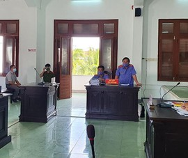 Hoãn xử vụ lộ đề thi công chức ở Phú Yên