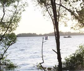 Vụ chìm sà lan trên sông Tiền: Đã tìm thấy 3 thi thể nạn nhân