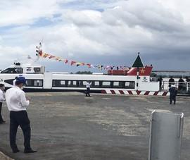 Tàu thủy cao tốc chở hàng chục tấn nông sản từ Tiền Giang lên hỗ trợ TP.HCM