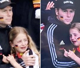 Bé gái 7 tuổi khóc khi Đức thua Anh và món quà ý nghĩa