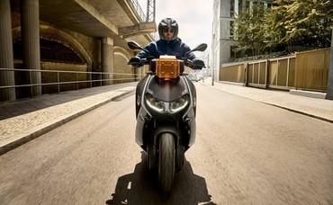 BMW ra mắt mẫu xe điện CE04 đến từ tương lai