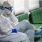Nga: 3 bác sĩ chống dịch COVID-19 ngã cửa sổ bí ẩn