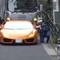 Cảnh sát dùng xe đạp truy đuổi Lamborghini vượt đèn đỏ