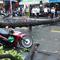 Video: Cây xanh ngã đè ô tô, xe máy trong cơn mưa lớn ở TP.HCM