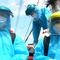 Video: Những 'bóng hồng' trong đội hình phun khử khuẩn phản ứng nhanh