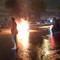 Xe máy bốc cháy trên xa lộ Hà Nội sau va chạm vào mô tô khác