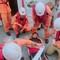 Cứu 4 thuyền viên Philippines bị thương trên biển