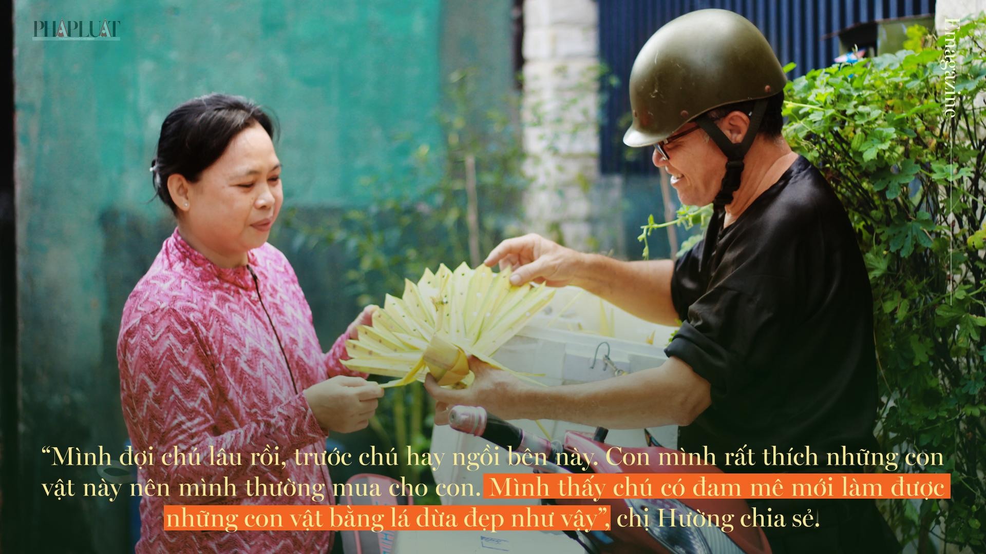 Họa sĩ già bán cào cào chở tuổi thơ đi khắp Sài Gòn - ảnh 16