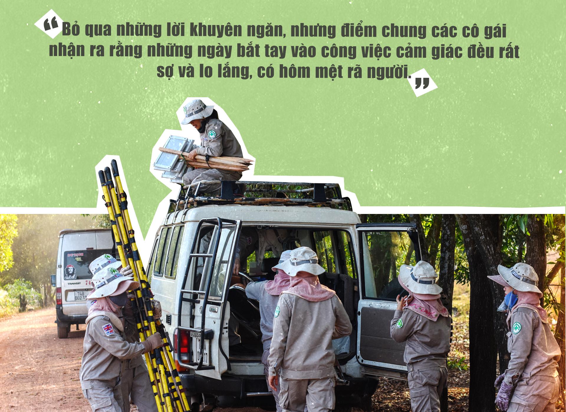 Đội nữ rà phá bom, mìn vùng 'đất lửa' Quảng Trị - ảnh 6
