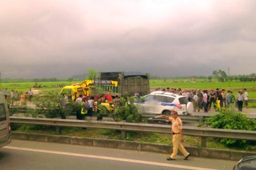Vụ 3 CSGT tử vong vì tai nạn trên đường cao tốc: Các CSGT đi với tốc độ cao | Thời sự | PLO