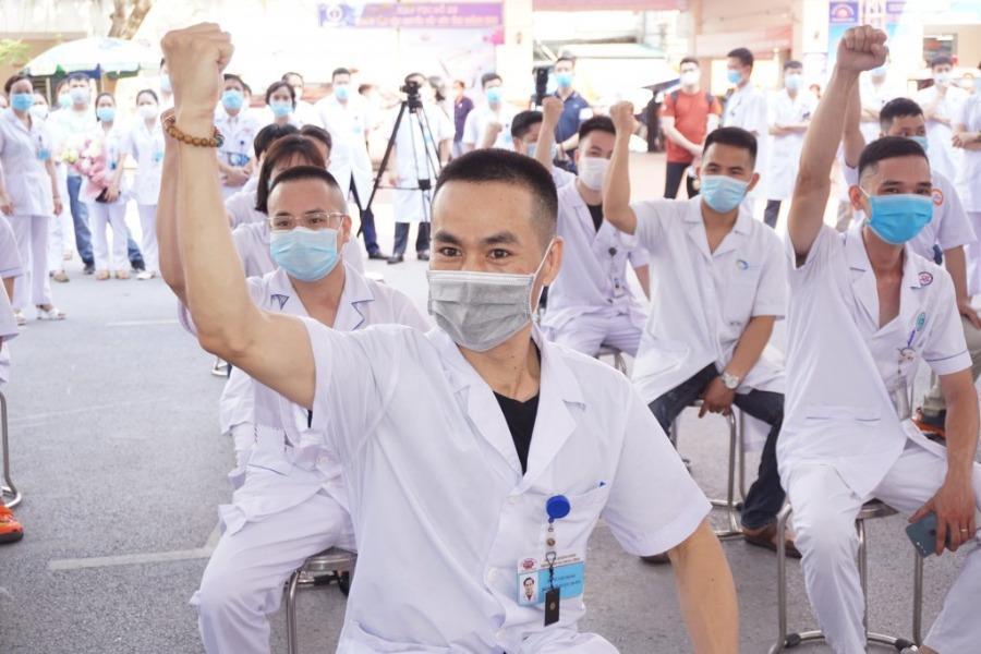 Quảng Ninh, Phú Thọ chi viện hơn 100 y bác sĩ cho tâm dịch Bắc Giang