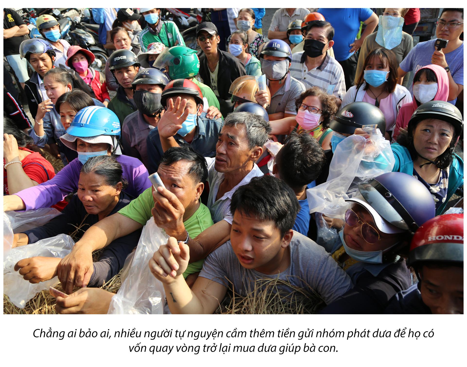 Tình người Sài Gòn thời dịch COVID-19 - ảnh 16