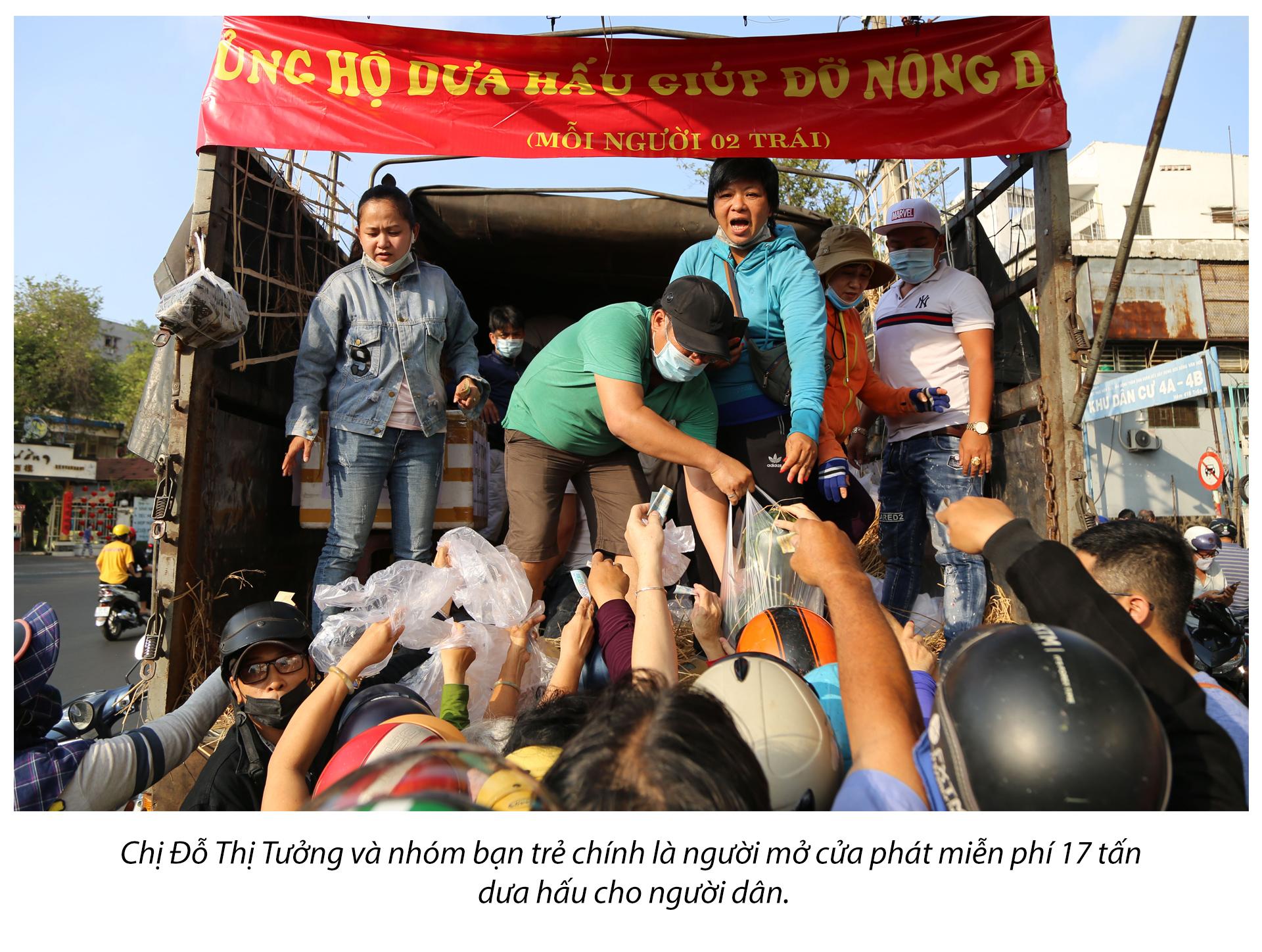 Tình người Sài Gòn thời dịch COVID-19 - ảnh 18