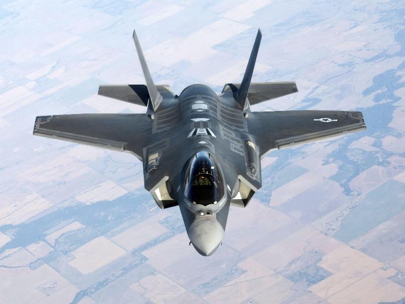 Mỹ gián tiếp buộc UAE chọn tiêm kích F-35 hoặc 5G của...
