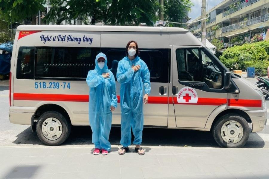 Nghệ sĩ Việt Hương mua xe 400 triệu chở ôxy hỗ trợ người dân mùa dịch | Chuyện sao | PLO