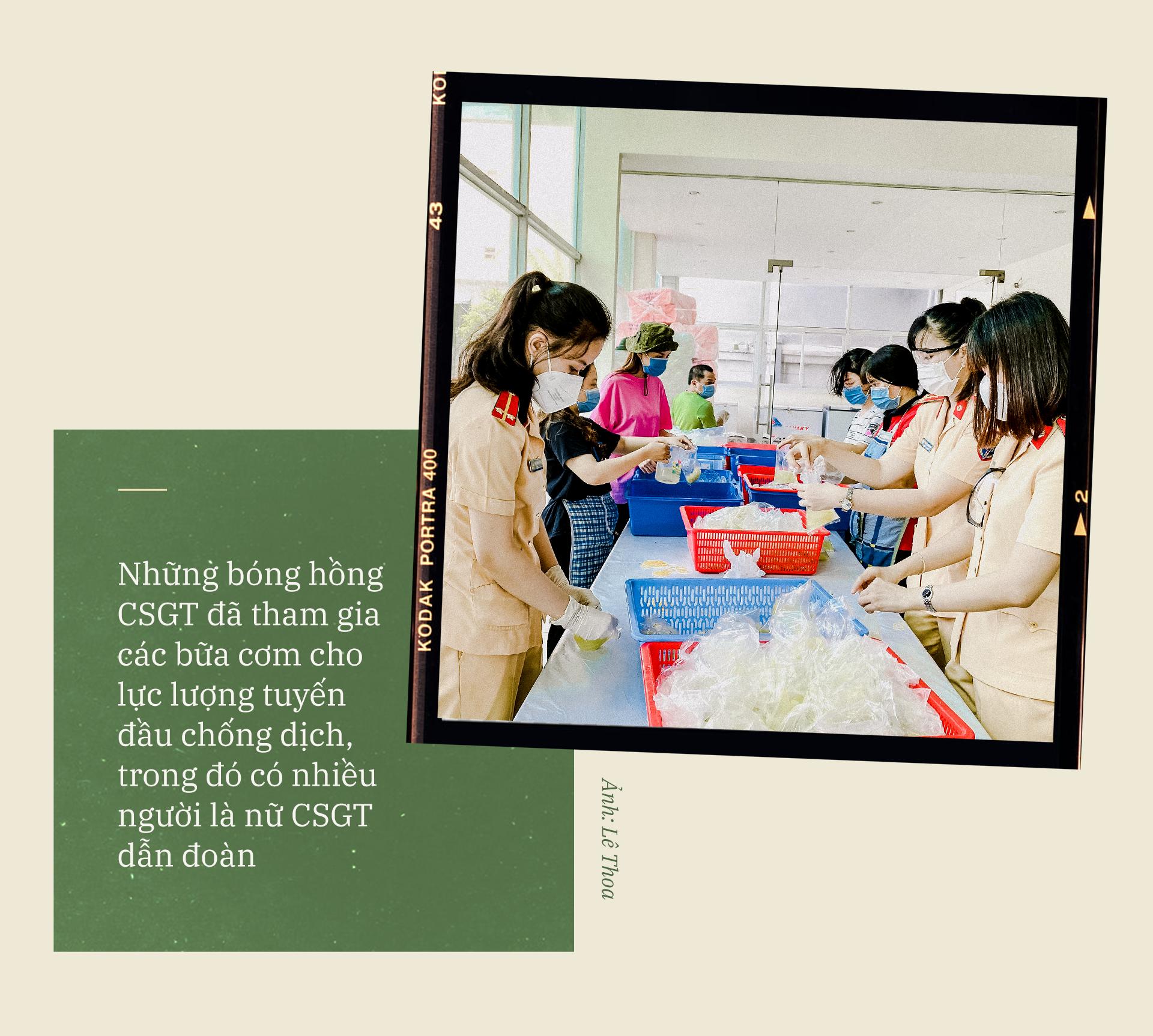 Emagazine: CSGT TP.HCM - Tấm lá chắn trong cuộc chiến với COVID-19 - ảnh 5