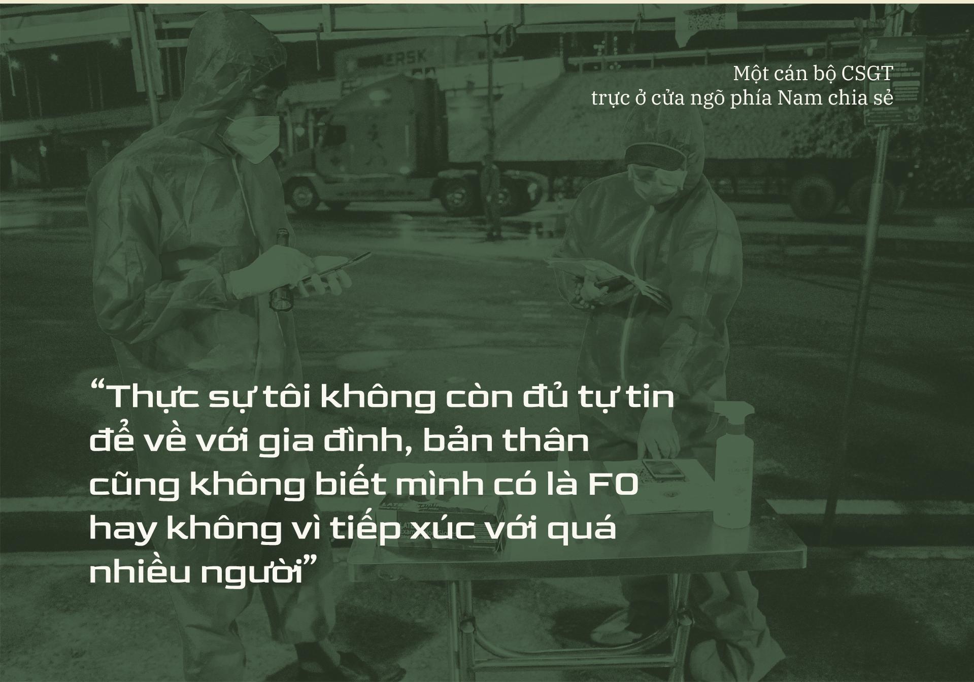 Emagazine: CSGT TP.HCM - Tấm lá chắn trong cuộc chiến với COVID-19 - ảnh 14