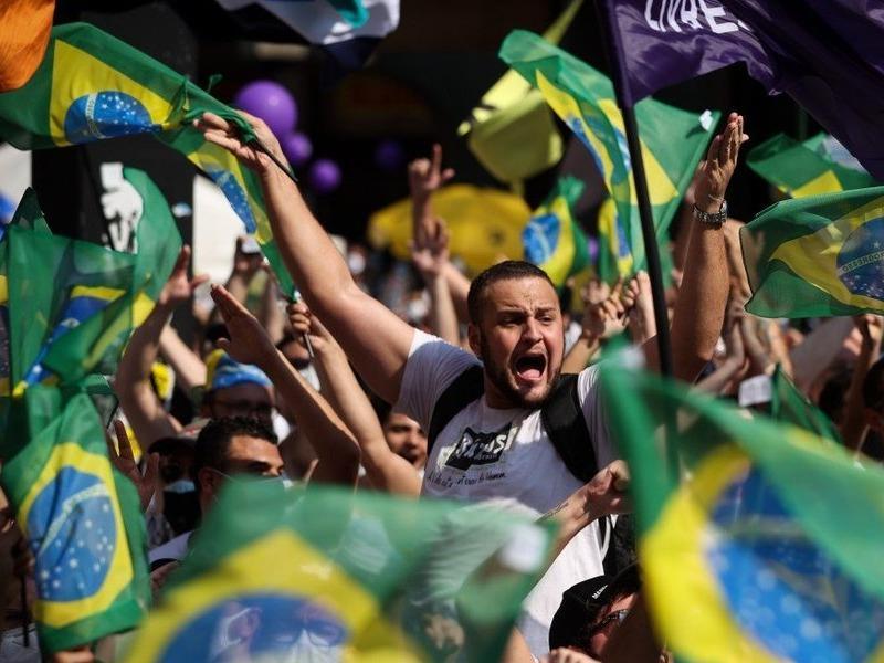 Biểu tình khắp các thành phố Brazil đòi luận tội Tổng thống Bolsonaro
