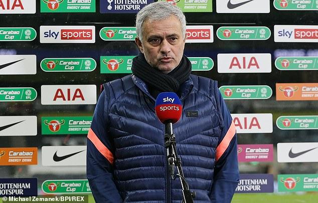 Mourinho: Hãy cho chúng tôi thời gian, thế giới sẽ thay đổi