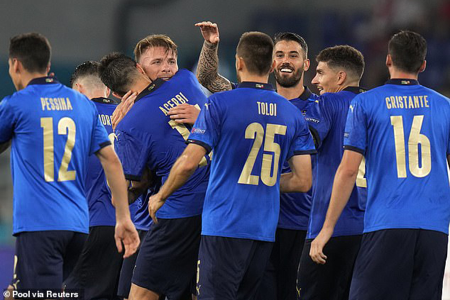 Tuyển Ý lập kỷ lục khó tin, HLV Mancini buông lời cảnh báo