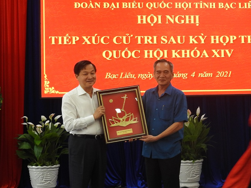 Tân Phó thủ tướng tiếp xúc cử tri tại Bạc Liêu