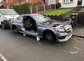 Mercedes bị trộm lột sạch đồ sau 1 đêm đỗ ngoài đường
