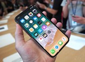 Bất ngờ vì giá iPhone X giảm đến chóng mặt