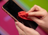5 thiết bị khử trùng điện thoại đắt khách mùa dịch COVID-19