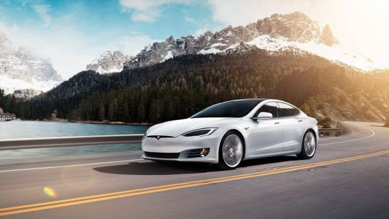 tesla-model-s-long-range-plus