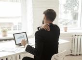 Vì sao làm việc tại nhà sẽ khiến bạn bị đau vai gáy?