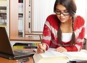 Cắm sạc điện thoại liên tục khi học online có nguy hiểm không?