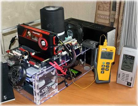 Show hàng khủng và tản nhiệt CPU bằng Ni tơ lỏng (ảnh: Internet).