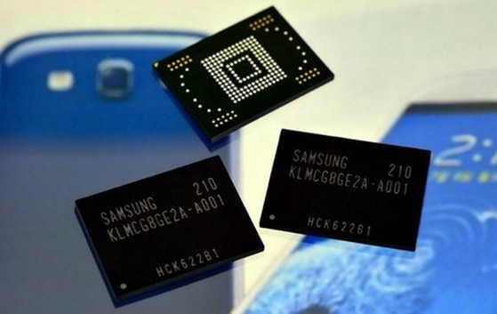 """Samsung mở đầu """"cuộc đua cấu hình"""" trong năm 2014 với bộ nhớ RAM thế hệ mới"""