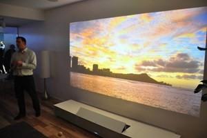 Sony ra giá trong khoảng 30.000-40.000 USD cho chiếc máy chiếu 4K của họ. (Nguồn: cio.com.au)