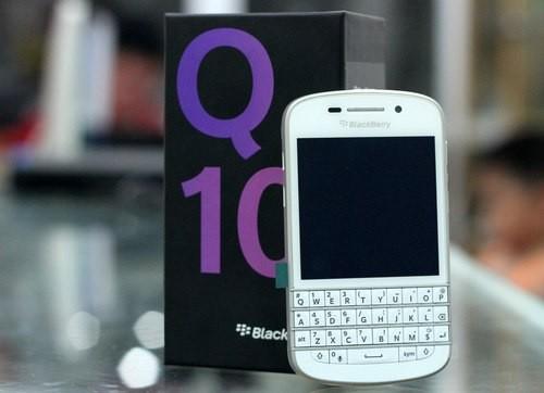 BlackBerry-Q10-White-136961967-6666-4469