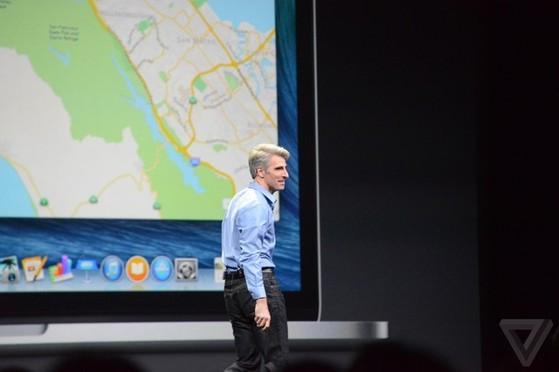 Craig Federighi lên sân khấu để giới thiệu về OS X 10.10.