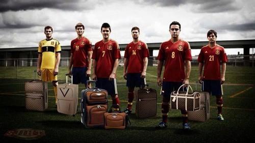 1-World-Cup-2014-ĐKVĐ-Tây-Ban-Nha-ve-nuoc.jpg