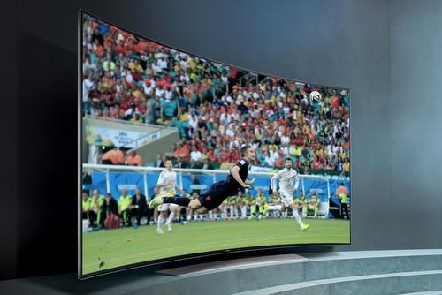 Samsung HU9000 là mẫu TV ấn tượng khi vừa có kiểu dáng cong lẫn độ phân giải siêu cao Ultra