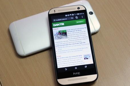 HTC One Mini 2 đọ dáng cùng đàn anh M8