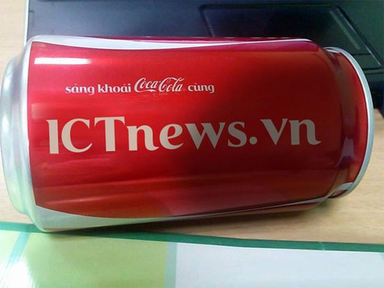 A8-Huong-dan-tu-in-ten-tren-lon-Coca-Cola.jpg