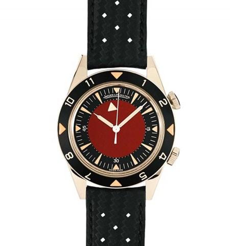 Ive cũng thiết kế chiếc đồng hồ Jaeger-LeCoultre để đấu giá từ thiện của quỹ phòng chống AIDS.