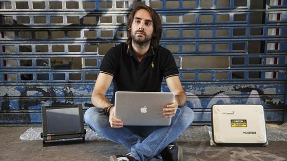 Ruben, chiếm quyền, điều khiển máy bay, thông qua Wifi, nhân viên an ninh