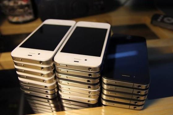 iPhone 4, 4S đã qua sử dụng là những sản phẩm đời cũ có doanh số tốt hiện nay.