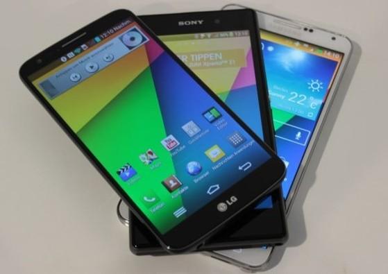 Smartphone đời cũ của năm 2013 cũng là những lựa chọn tốt thời điểm hiện tại.