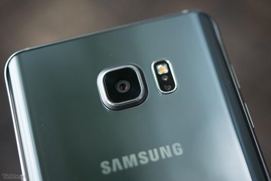 Samsung_Galaxy_Note_5_Silver_bac-10.