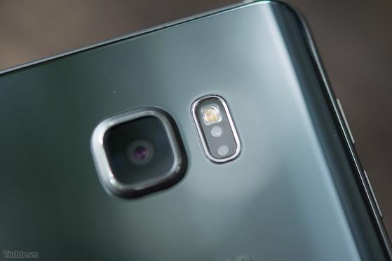 Samsung_Galaxy_Note_5_Silver_bac-11.