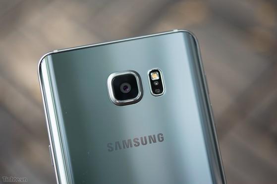 Samsung_Galaxy_Note_5_Silver_bac-12.