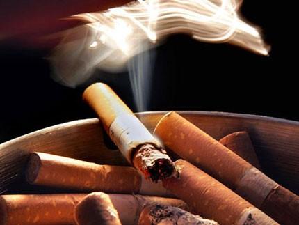 Nhu cầu tiêu thụ thuốc lá khổng lồ ở trong nước là động lực để giới buôn lậu kiếm siêu lợi nhuận.
