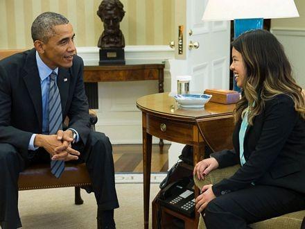 Nina Pham trò chuyện với Tổng thống Mỹ tại Nhà Trắng.