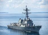 Trung Quốc xua đuổi tàu khu trục Mỹ trên Biển Đông